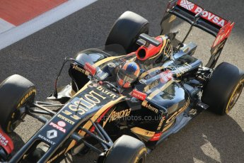 World © Octane Photographic Ltd. Wednesday 26th November 2014. Abu Dhabi Testing - Yas Marina Circuit. Lotus F1 Team E22 – Alex Lynn. Digital Ref: 1175CB1D9516