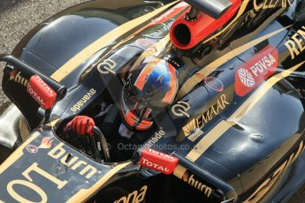 World © Octane Photographic Ltd. Wednesday 26th November 2014. Abu Dhabi Testing - Yas Marina Circuit. Lotus F1 Team E22 – Alex Lynn. Digital Ref: 1175CB1D9523