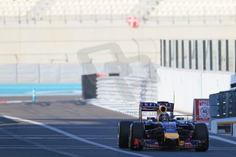 World © Octane Photographic Ltd. Wednesday 26th November 2014. Abu Dhabi Testing - Yas Marina Circuit. Infiniti Red Bull Racing RB10 – Daniel Ricciardo. Digital Ref: 1175LB1D8562