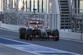 World © Octane Photographic Ltd. Wednesday 26th November 2014. Abu Dhabi Testing - Yas Marina Circuit. Infiniti Red Bull Racing RB10 – Daniel Ricciardo. Digital Ref: 1175LB1D8584