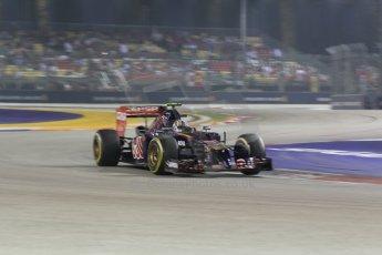 World © Octane Photographic Ltd. Saturday 20th September 2014, Singapore Grand Prix, Marina Bay. - Formula 1 Race outlap. Scuderia Toro Rosso STR 9 – Daniil Kvyat. Digital Ref: 1127CB1D1011