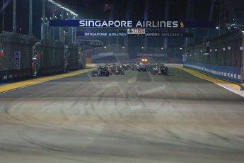 World © Octane Photographic Ltd. Sunday 21st September 2014, Singapore Grand Prix, Marina Bay. - Formula 1 Race start lap 1. Digital Ref: 1127LB1D3223