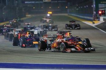 World © Octane Photographic Ltd. Sunday 21st September 2014, Singapore Grand Prix, Marina Bay. - Formula 1 Race start lap 1. Digital Ref: 1127LB1D3249