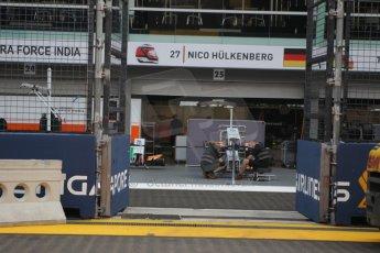 World © Octane Photographic Ltd. Wednesday 17th September 2014, Singapore Grand Prix, Marina Bay. Formula 1 Setup and atmosphere. Sahara Force India - Nico Hulkenberg pit box. Digital Ref: 1115CB1D6495
