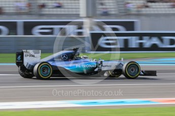 World © Octane Photographic Ltd. Mercedes AMG Petronas F1 W06 Hybrid – Lewis Hamilton. Friday 27th November 2015, F1 Abu Dhabi Grand Prix, Practice 1, Yas Marina. Digital Ref: 1477CB1L5273