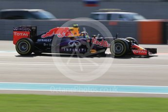 World © Octane Photographic Ltd. Infiniti Red Bull Racing RB11 – Daniil Kvyat. Friday 27th November 2015, F1 Abu Dhabi Grand Prix, Practice 1, Yas Marina. Digital Ref: 1477CB1L5298