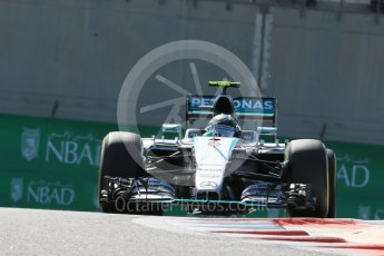 World © Octane Photographic Ltd. Mercedes AMG Petronas F1 W06 Hybrid – Nico Rosberg. Friday 27th November 2015, F1 Abu Dhabi Grand Prix, Practice 1, Yas Marina. Digital Ref: 1477LB1D6543