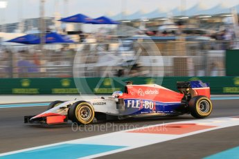 World © Octane Photographic Ltd. Manor Marussia F1 Team MR03B – William Stevens. Friday 27th November 2015, F1 Abu Dhabi Grand Prix, Practice 2, Yas Marina. Digital Ref: 1478CB1L5714