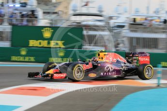 World © Octane Photographic Ltd. Infiniti Red Bull Racing RB11 – Daniil Kvyat. Friday 27th November 2015, F1 Abu Dhabi Grand Prix, Practice 2, Yas Marina. Digital Ref: 1478CB1L5765