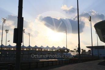 World © Octane Photographic Ltd. Sunset. Friday 27th November 2015, F1 Abu Dhabi Grand Prix, Practice 2, Yas Marina. Digital Ref: 1478CB7D1773
