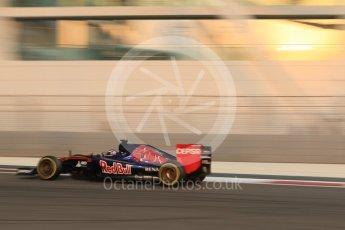 World © Octane Photographic Ltd. Scuderia Toro Rosso STR10 – Max Verstappen. Friday 27th November 2015, F1 Abu Dhabi Grand Prix, Practice 2, Yas Marina. Digital Ref: 1478CB7D1825