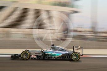 World © Octane Photographic Ltd. Mercedes AMG Petronas F1 W06 Hybrid – Lewis Hamilton. Friday 27th November 2015, F1 Abu Dhabi Grand Prix, Practice 2, Yas Marina. Digital Ref: 1478CB7D1884