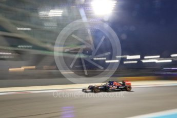 World © Octane Photographic Ltd. Scuderia Toro Rosso STR10 – Carlos Sainz Jnr. Friday 27th November 2015, F1 Abu Dhabi Grand Prix, Practice 2, Yas Marina. Digital Ref: 1478CB7D2318