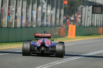 World © Octane Photographic Ltd. Scuderia Toro Rosso STR10 – Max Verstappen Friday 13th March 2015, F1 Australian GP Practice 1, Melbourne, Albert Park, Australia. Digital Ref: 1200LB1D5612