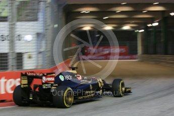 World © Octane Photographic Ltd. Lotus F1 Team E23 Hybrid – Romain Grosjean. Friday 18th September 2015, F1 Singapore Grand Prix Practice 1, Marina Bay. Digital Ref: