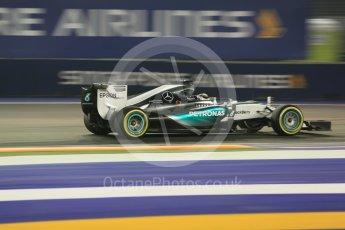 World © Octane Photographic Ltd. Mercedes AMG Petronas F1 W06 Hybrid – Lewis Hamilton. Friday 18th September 2015, F1 Singapore Grand Prix Practice 2, Marina Bay. Digital Ref: 1429CB5D0391