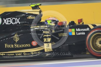 World © Octane Photographic Ltd. Lotus F1 Team E23 Hybrid – Pastor Maldonado. Friday 18th September 2015, F1 Singapore Grand Prix Practice 2, Marina Bay. Digital Ref: 1429CB7D0965