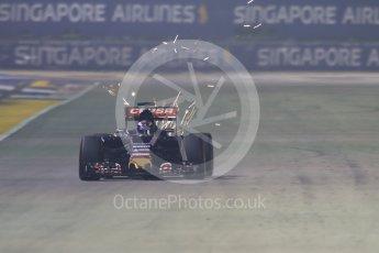 World © Octane Photographic Ltd. Scuderia Toro Rosso STR10 – Max Verstappen. Friday 18th September 2015, F1 Singapore Grand Prix Practice 2, Marina Bay. Digital Ref: 1429CB7D1027