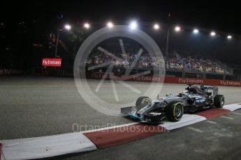 World © Octane Photographic Ltd. Mercedes AMG Petronas F1 W06 Hybrid – Lewis Hamilton. Friday 18th September 2015, F1 Singapore Grand Prix Practice 2, Marina Bay. Digital Ref: 1429LB1D6317