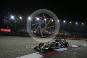 World © Octane Photographic Ltd. Mercedes AMG Petronas F1 W06 Hybrid – Lewis Hamilton. Friday 18th September 2015, F1 Singapore Grand Prix Practice 2, Marina Bay. Digital Ref: 1429LB1D6506