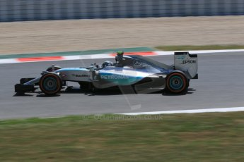 World © Octane Photographic Ltd. Mercedes AMG Petronas F1 W06 Hybrid – Nico Rosberg. Saturday 9th May 2015, F1 Spanish GP Qualifying, Circuit de Barcelona-Catalunya, Spain. Digital Ref: 1257CB7D7966