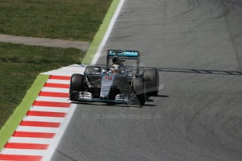 World © Octane Photographic Ltd. Mercedes AMG Petronas F1 W06 Hybrid – Lewis Hamilton. Saturday 9th May 2015, F1 Spanish GP Qualifying, Circuit de Barcelona-Catalunya, Spain. Digital Ref: 1257LB1D8576
