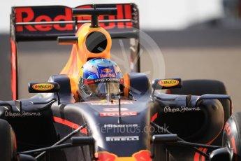 World © Octane Photographic Ltd. Red Bull Racing RB12 – Daniel Ricciardo. Saturday 26th November 2016, F1 Abu Dhabi GP - Practice 3, Yas Marina circuit, Abu Dhabi. Digital Ref :