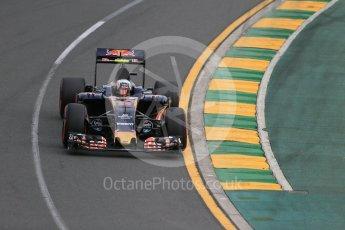 World © Octane Photographic Ltd. Scuderia Toro Rosso STR11 – Carlos Sainz. Saturday 19th March 2016, F1 Australian GP Qualifying, Melbourne, Albert Park, Australia. Digital Ref : 1521LB1D5139