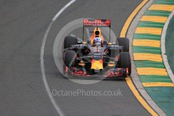World © Octane Photographic Ltd. Red Bull Racing RB12 – Daniel Ricciardo. Saturday 19th March 2016, F1 Australian GP Qualifying, Melbourne, Albert Park, Australia. Digital Ref : 1521LB1D5147