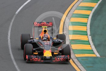World © Octane Photographic Ltd. Red Bull Racing RB12 - Daniil Kvyat. Saturday 19th March 2016, F1 Australian GP Qualifying, Melbourne, Albert Park, Australia. Digital Ref : 1521LB1D5293