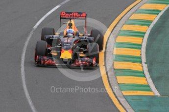 World © Octane Photographic Ltd. Red Bull Racing RB12 - Daniil Kvyat. Saturday 19th March 2016, F1 Australian GP Qualifying, Melbourne, Albert Park, Australia. Digital Ref : 1521LB1D5489