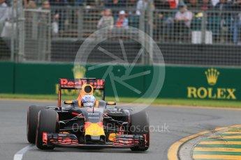 World © Octane Photographic Ltd. Red Bull Racing RB12 – Daniel Ricciardo. Saturday 19th March 2016, F1 Australian GP Qualifying, Melbourne, Albert Park, Australia. Digital Ref : 1521LB1D5506