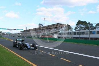 World © Octane Photographic Ltd. Mercedes AMG Petronas W07 Hybrid– Nico Rosberg. Sunday 20th March 2016, F1 Australian GP Race, Melbourne, Albert Park, Australia. Digital Ref : 1524LB5D2270