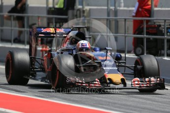World © Octane Photographic Ltd. Scuderia Toro Rosso STR11 – Pierre Gasly. Tuesday 17th May 2016, F1 Spanish In-season testing, Circuit de Barcelona Catalunya, Spain. Digital Ref : 1555LB1D9326