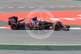 World © Octane Photographic Ltd. Scuderia Toro Rosso STR11 – Carlos Sainz. Friday 13th May 2016, F1 Spanish GP Practice 2, Circuit de Barcelona Catalunya, Spain. Digital Ref :