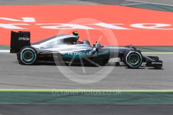 World © Octane Photographic Ltd. Mercedes AMG Petronas W07 Hybrid – Nico Rosberg. Friday 13th May 2016, F1 Spanish GP - Practice 2, Circuit de Barcelona Catalunya, Spain. Digital Ref : 1539CB1D8227