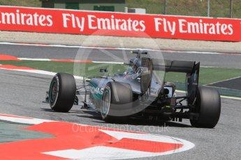 World © Octane Photographic Ltd. Mercedes AMG Petronas W07 Hybrid – Nico Rosberg. Friday 13th May 2016, F1 Spanish GP Practice 2, Circuit de Barcelona Catalunya, Spain. Digital Ref : 1539CB1D8598