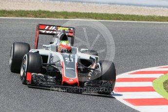 World © Octane Photographic Ltd. Haas F1 Team VF-16 - Esteban Gutierrez. Friday 13th May 2016, F1 Spanish GP Practice 2, Circuit de Barcelona Catalunya, Spain. Digital Ref : 1539LB1D4815