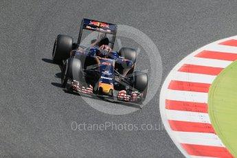 World © Octane Photographic Ltd. Scuderia Toro Rosso STR11 – Daniil Kvyat. Friday 13th May 2016, F1 Spanish GP Practice 2, Circuit de Barcelona Catalunya, Spain. Digital Ref : 1539LB1D4887
