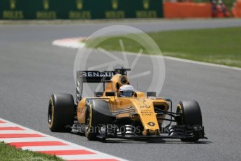 World © Octane Photographic Ltd. Renault Sport F1 Team RS16 - Kevin Magnussen. Friday 13th May 2016, F1 Spanish GP Practice 2, Circuit de Barcelona Catalunya, Spain. Digital Ref : 1539LB1D5362
