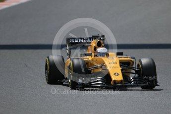 World © Octane Photographic Ltd. Renault Sport F1 Team RS16 - Kevin Magnussen. Saturday 14th May 2016, F1 Spanish GP - Qualifying, Circuit de Barcelona Catalunya, Spain. Digital Ref : 1546CB7D7605