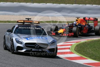 World © Octane Photographic Ltd. Safety Car and Red Bull Racing RB12 – Daniel Ricciardo. Sunday 15th May 2016, F1 Spanish GP Race, Circuit de Barcelona Catalunya, Spain. Digital Ref :
