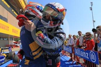 World © Octane Photographic Ltd. DAMS - GP2/11 – Alex Lynn (1st) and Prema Racing – Pierre Gasly (2nd). Sunday 15th May 2016, GP2 Race 2, Circuit de Barcelona Catalunya, Spain. Digital Ref :1551CB7D8240