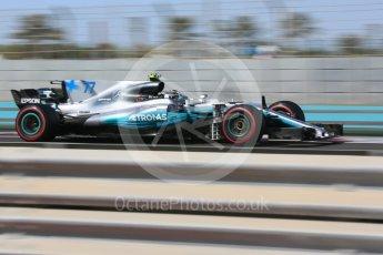 World © Octane Photographic Ltd. Formula 1 - Abu Dhabi Grand Prix - Friday Practice 1. Valtteri Bottas - Mercedes AMG Petronas F1 W08 EQ Energy+. Yas Marina Circuit, Abu Dhabi. Friday 24th November 2017. Digital Ref: