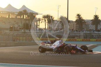 World © Octane Photographic Ltd. Formula 1 - Abu Dhabi Grand Prix - Friday - Practice 2. Brendon Hartley - Scuderia Toro Rosso STR12. Yas Marina Circuit, Abu Dhabi. Friday 24th November 2017. Digital Ref: 2003CB1L6187