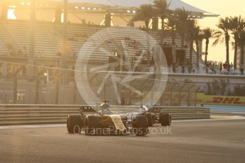 World © Octane Photographic Ltd. Formula 1 - Abu Dhabi Grand Prix - Friday - Practice 2. Nico Hulkenberg - Renault Sport F1 Team R.S.17. Yas Marina Circuit, Abu Dhabi. Friday 24th November 2017. Digital Ref: 2003CB1L6193