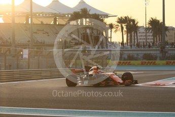 World © Octane Photographic Ltd. Formula 1 - Abu Dhabi Grand Prix - Friday - Practice 2. Stoffel Vandoorne - McLaren Honda MCL32. Yas Marina Circuit, Abu Dhabi. Friday 24th November 2017. Digital Ref: 2003CB1L6246