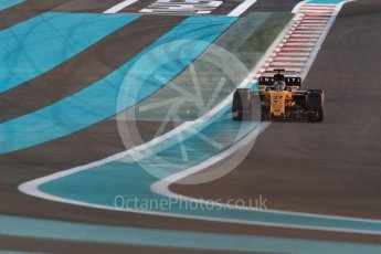World © Octane Photographic Ltd. Formula 1 - Abu Dhabi Grand Prix - Friday - Practice 2. Nico Hulkenberg - Renault Sport F1 Team R.S.17. Yas Marina Circuit, Abu Dhabi. Friday 24th November 2017. Digital Ref: 2003LB1D3188
