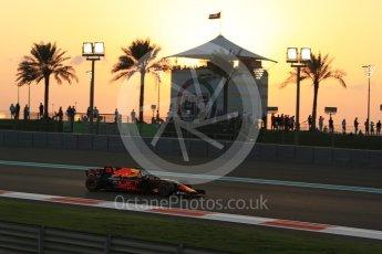 World © Octane Photographic Ltd. Formula 1 - Abu Dhabi Grand Prix - Friday - Practice 2. Daniel Ricciardo - Red Bull Racing RB13. Yas Marina Circuit, Abu Dhabi. Friday 24th November 2017. Digital Ref: 2003LB2D8548