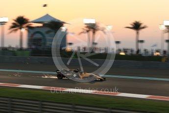 World © Octane Photographic Ltd. Formula 1 - Abu Dhabi Grand Prix - Friday - Practice 2. Nico Hulkenberg - Renault Sport F1 Team R.S.17. Yas Marina Circuit, Abu Dhabi. Friday 24th November 2017. Digital Ref: 2003LB2D8934